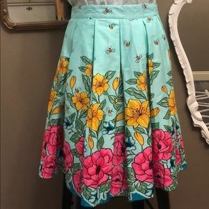 Retro Style Bees and Flowers Swing Circle Skirt XL